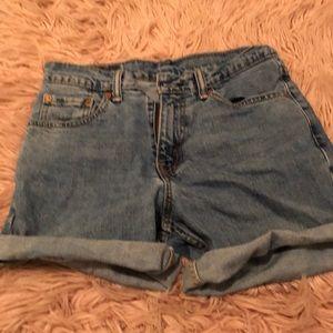 Super cute vintage Levi shorts